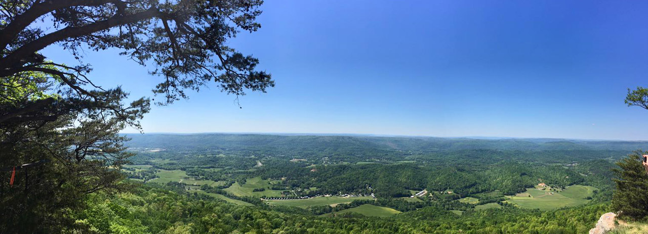 Beautiful Lookout Mountain Parkway