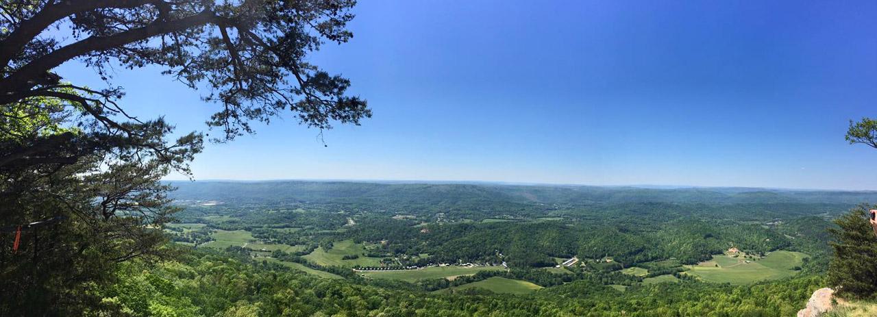 Beautiful Lookout Mountain Parkway